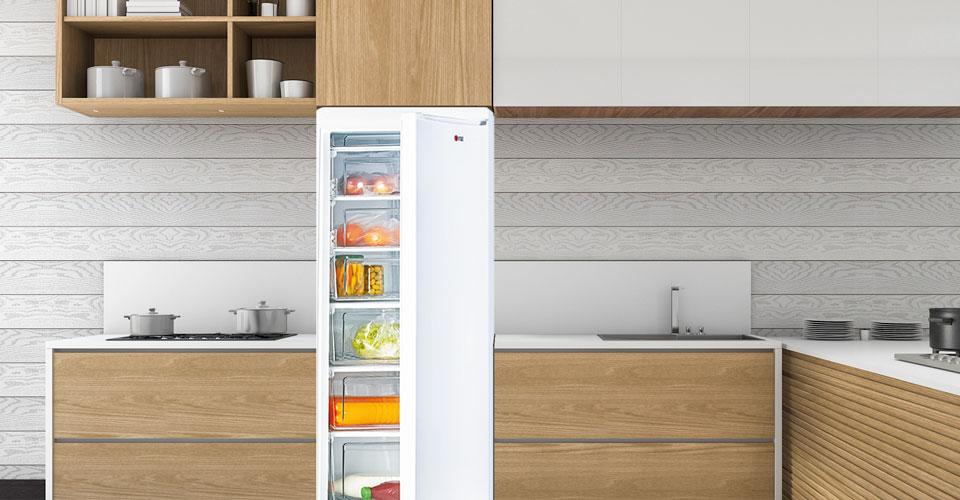 Combined refrigerators with bottom freezer